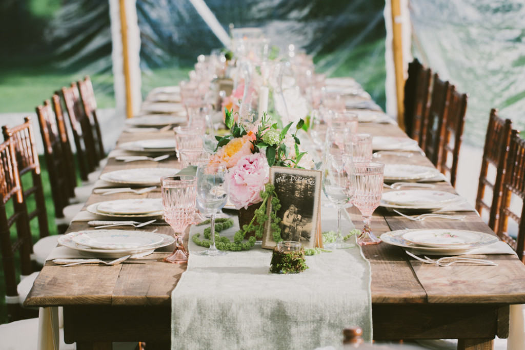 Rustic weddings still all the rage lakes region tent event rustic wedding decor junglespirit Image collections