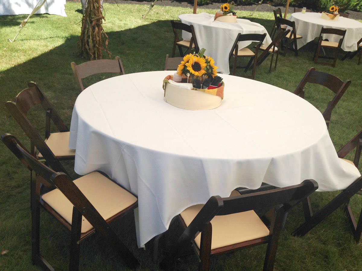 Outdoor chair rentals - White Garden Chairs For Outdoor Weddings Natural Wood Folding Chairs For Rent Fruitwood Folding Chairs With Tables